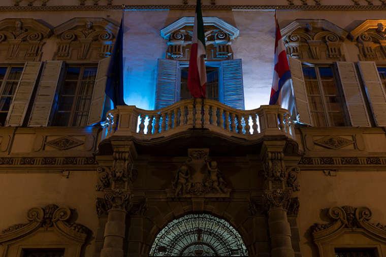 Palazzo Lascaris si tinge di blu
