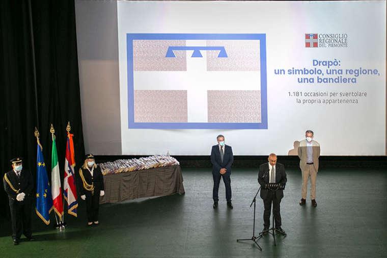 La bandiera del Piemonte ai sindaci dell'Alessandrino